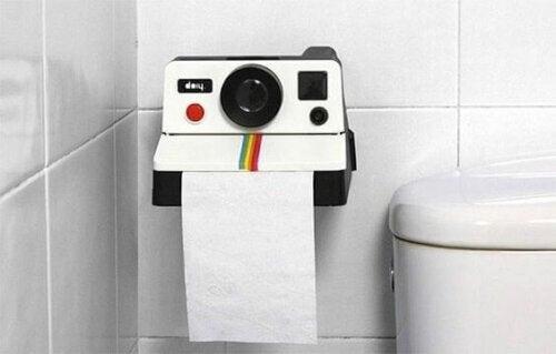 Forskellige typer toiletrulleholdere til dit badeværelse