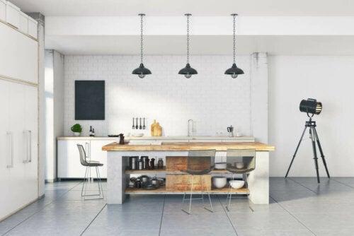 moderne hvidt industrielt køkken