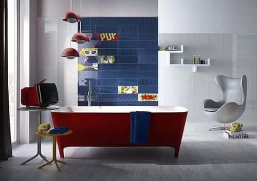 rødt badekar