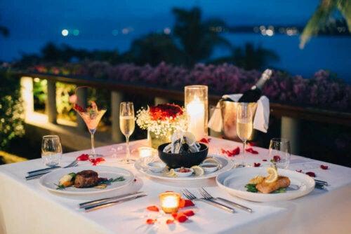 udendørs romantisk middag