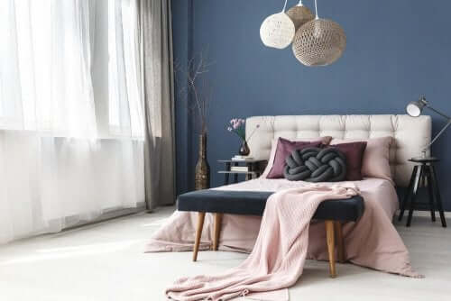 8 idéer til at dekorere fodenden af sengen