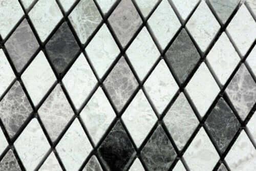 fliser i grå nuancer