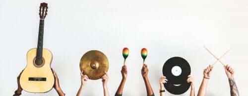 Indretning med instrumenter fra hele verden