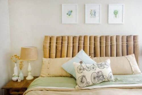 Bambusdetaljer i soveværelset