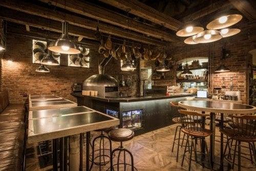 Café indrettet i rustik stil