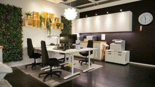Kontor med flot indretning