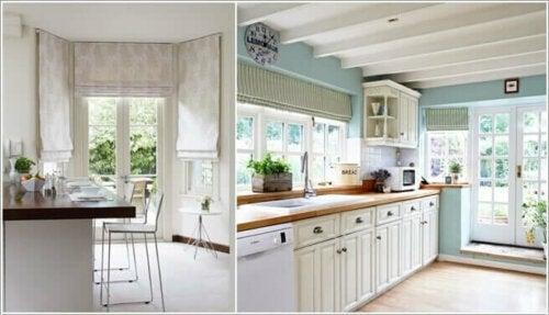 køkken og spisestue med persienner og draperinger