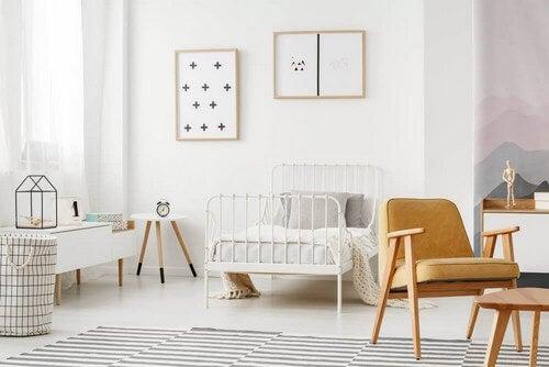 Soveværelse i hvide farver