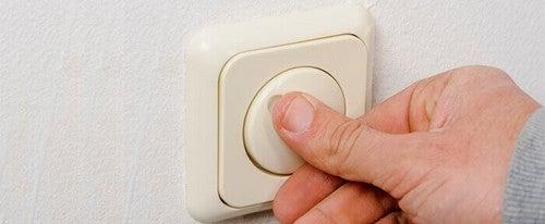 Få en lavere elregning ved at slukke for lyset