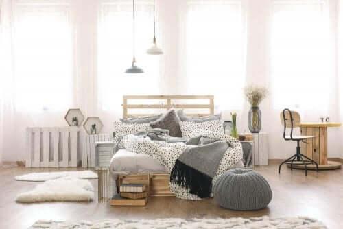 Pladsbesparende møbler til dit soveværelse