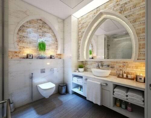 Tips og tricks til et velduftende badeværelse