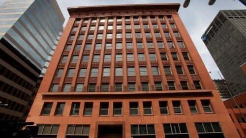 bygning på baggrund af Chicago-skolen