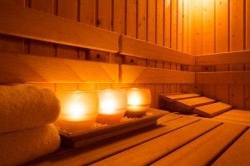 En sauna med stemningslys