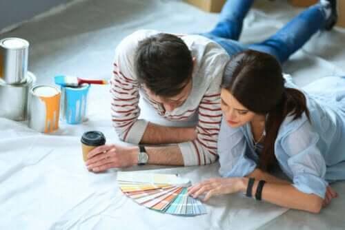 En guide til at vælge den rigtige farve maling til dit hjem