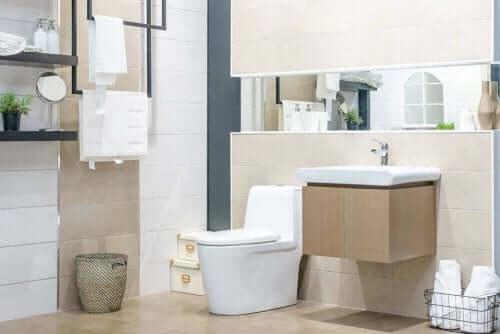 Hold dit badeværelse skinnende rent