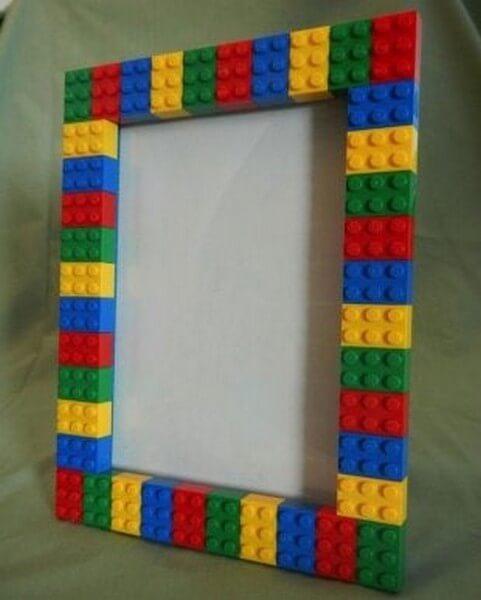 Billedramme lavet af legoklodser