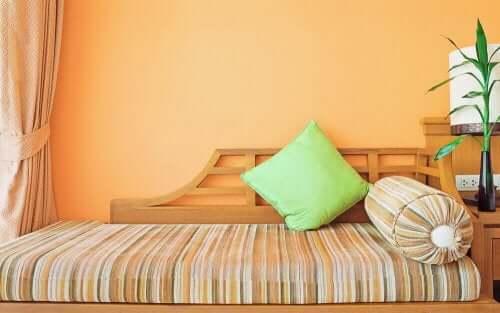 Udskift ind indretning derhjemme med orange