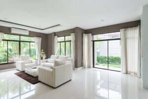 store vinduer til at øge mængden af naturligt lys
