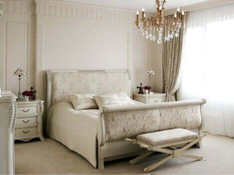 soveværelse i neutrale farver