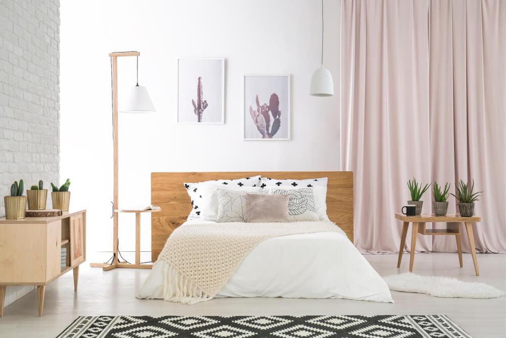 3 Ideen für ein ordentlich und dekorativ gemachtes Bett