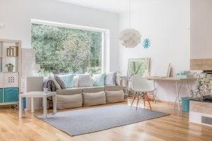 Kleines, gut aufgeteiltes Wohnzimmer