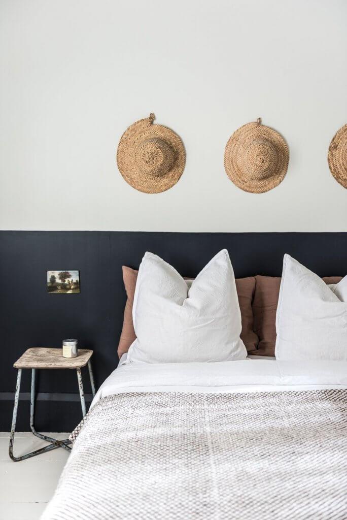 Schlafzimmer im Half-painted-Stil streichen