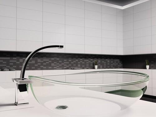 Transparentes Waschbecken
