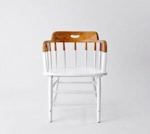 Stuhl im Half-painted-Stil
