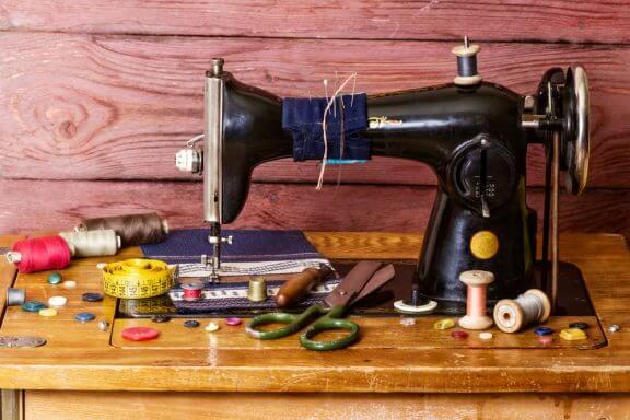 Alte Nähmaschinen als Dekoobjekte