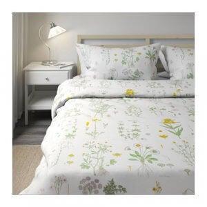 Bettwäsche mit gelbem Blumenmuster