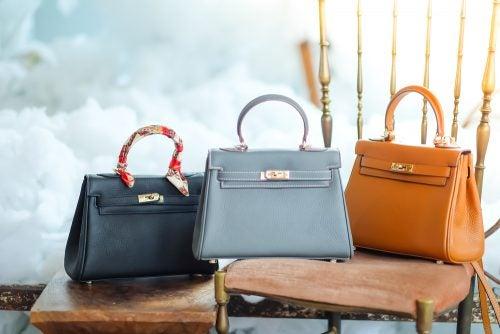Die Organisation deiner Handtaschen kann auch zu Dekozwecken dienen