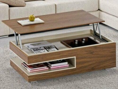 Dreistufige Beistelltische sind perfekt für kleine Räume