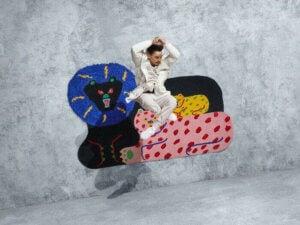 Misaki Kawai hat für das IKEA Art Event einen Katzenteppich hergestellt.