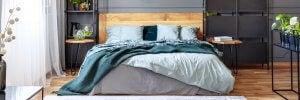 Es gibt karierte Bettdecken und weiche Laken, die dein Schlafzimmer zum verträumtesten Teil des Hauses machen können.