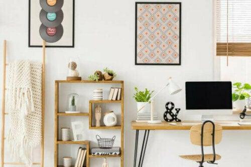 Wenn möglich, versuche, deinen Arbeitsbereich in einem Raum einzurichten, der viel natürliches Licht erhält.