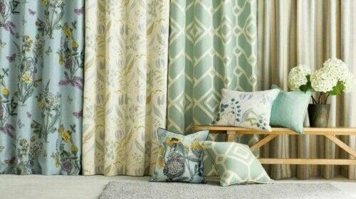Vorhänge passen zu fast jeder Art von Fenster und jedem dekorativen Stil.
