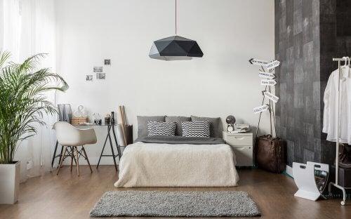 Stilvolle Schlafzimmer mit einer grauen Thematik
