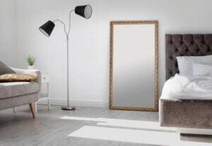 Spiegel - Schlafzimmer