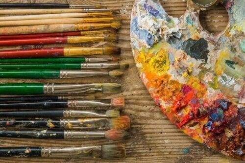 Zeitgenössische Kunst als Dekoration verwenden
