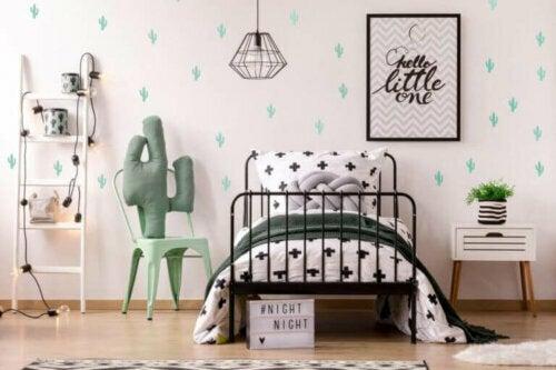 Auf dem Markt findest du eine unglaublich große Auswahl an Kinderbetten. Einige von ihnen sind wirklich inspirierend und weisen sogar leuchtende Farben und lustige Formen auf.