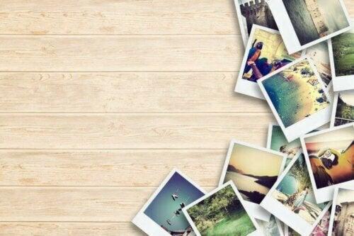 Fotos von verschiedenen Reisen zählen zu den beliebtesten Dekorationsideen für Reiseliebhaber