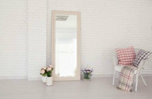Dekoration mit Spiegeln