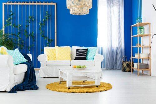 Aktuelle Trends, um dein Wohnzimmer zu streichen