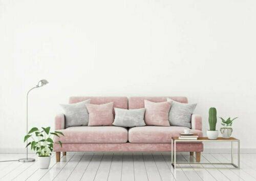 Rosa und Weiß oder Grau sind perfekte Farbkombinationen