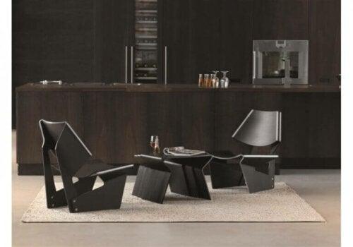 Grete Jalk - schwarzes Stuhlset mit Beistelltisch