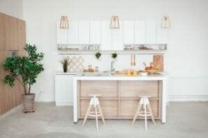 Küchen in kleinen Wohnungen: 4 perfekte Einrichtungsideen