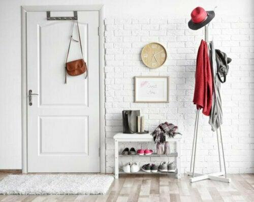 Schuhregale für den Hauseingang: 3 praktische Ideen