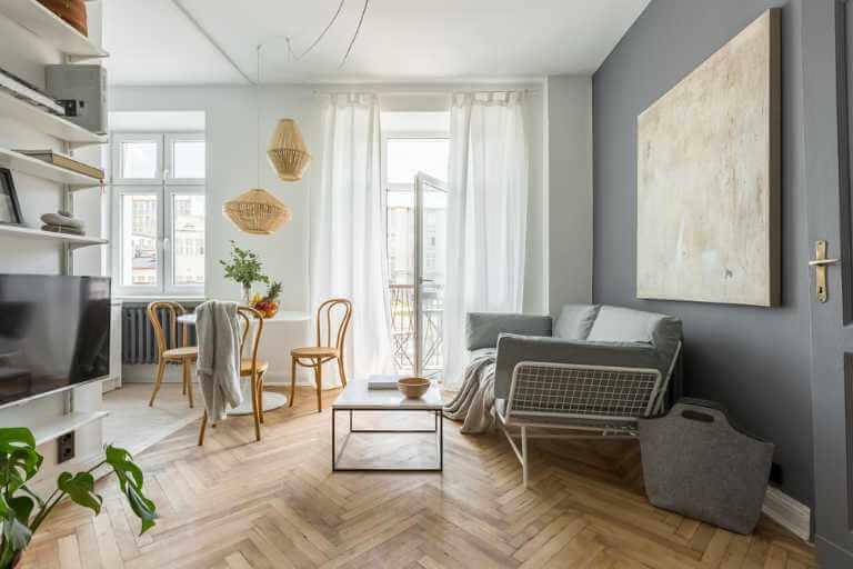 Wohnzimmer größer wirken lassen