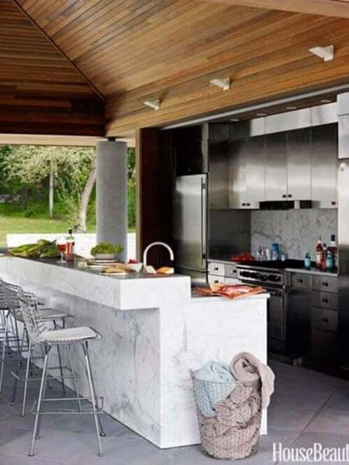 Terrassenverbau mit Außenküche