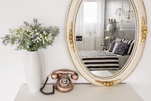 Wirkung von Spiegeln im Raum